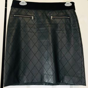 Ann Taylor Faux Leather skirt XS
